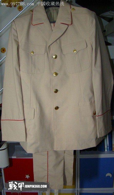 89式陆军仪仗队夏礼服,可以看到 同期配发的仪仗白色外腰带   陆军图片