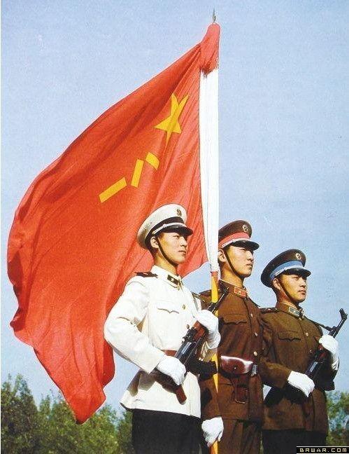 解放军新军衔制度与87式军衔军服