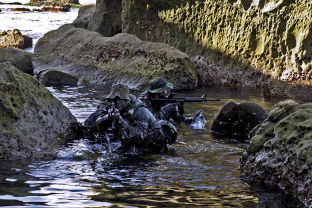 战甲专栏·白鲨讲特种作战系列:特战分队野外运动基础(一)