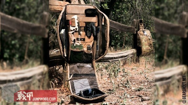 OAKLEY Extractor Sling (49).jpg