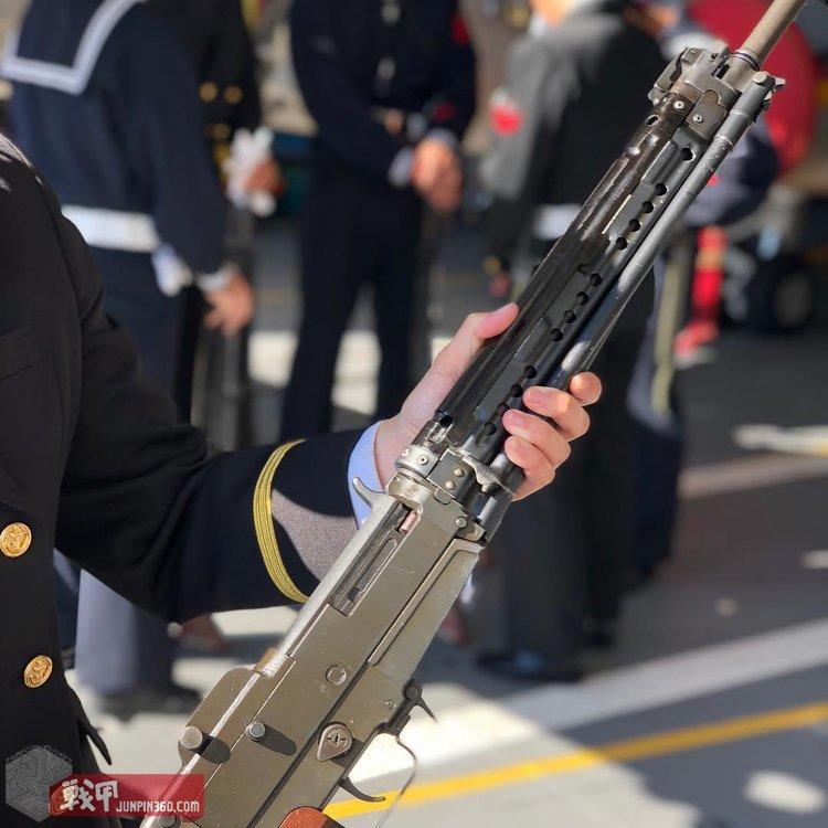 海自的64式自动步枪.jpg