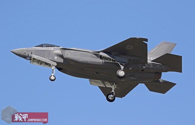 6 空自的F-35A,注意那个圈圈就是其国籍标志.jpg