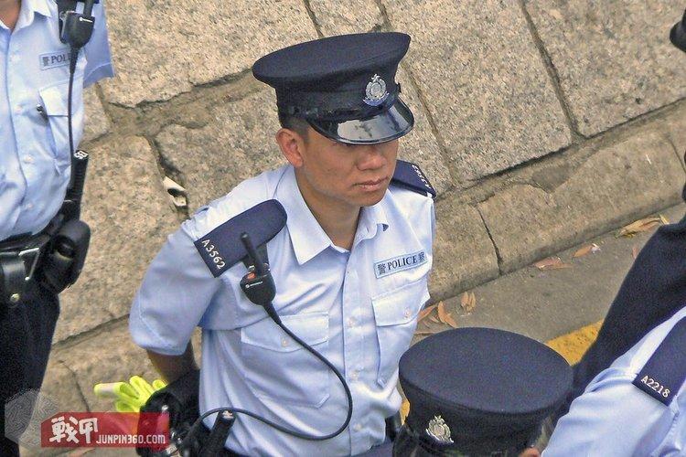 2 香港辅警,注意肩章上的A,flickr用户Chris拍摄.jpg