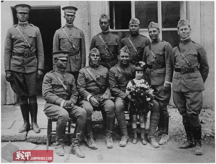 lossy-page1-1280px-Officers_of_the__Buffalos_,_367th_Infantry,_77th_Division_in_France._-_NARA_-_533606.tif.jpg