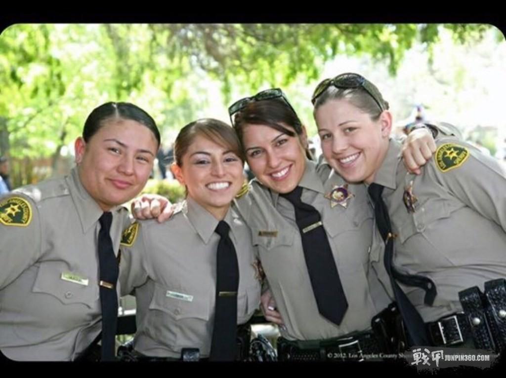 洛杉矶郡警察局女警