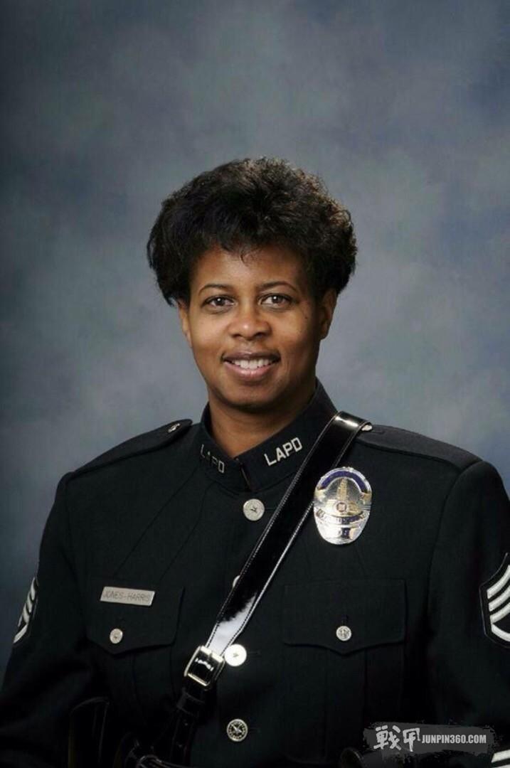 洛杉矶市警察局女警