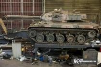 巴西警察大捷!缴获毒贩坦克两台!