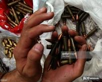 伊拉克农贸市场卖枪,加沙是流动摆地摊