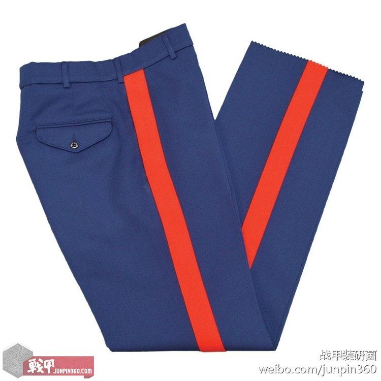 ■尉官及校官版礼服裤,血条3.8厘米宽。