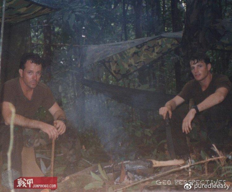 """丛林训练中的三角洲队员,从左至右分别为:George E. Hand IV,""""Chill-D"""""""
