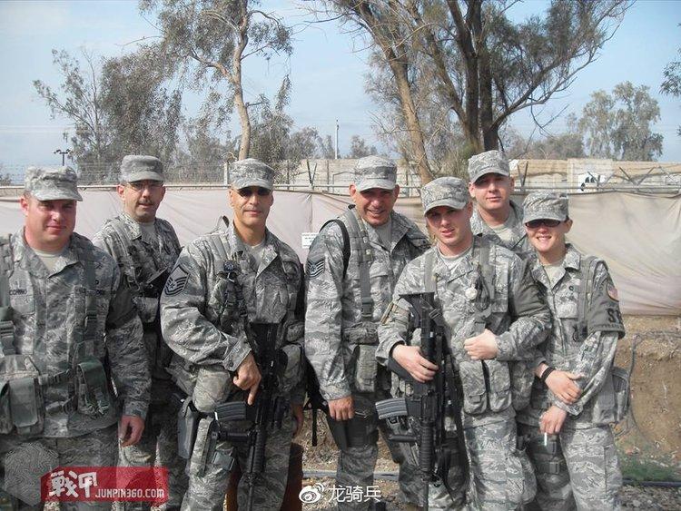 身着ABU使用与FLC类似战术背心的美国空军宪兵