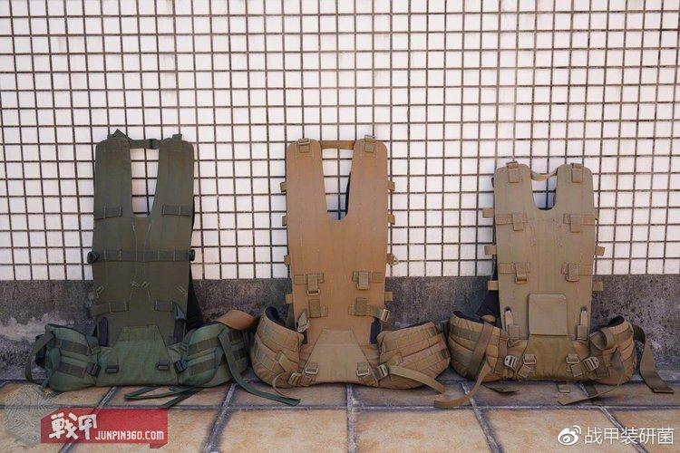 从左到右分别是 DUPLEX 1代、2代、3代背架系统