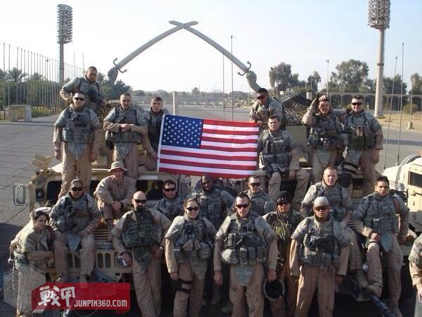 在伊拉克首都巴格达的合影.jpg