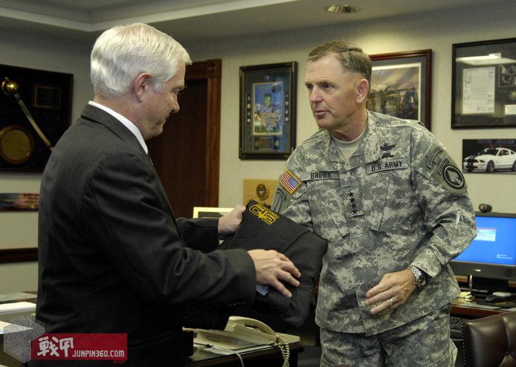 美国特种作战司令部陆军成员臂章.jpg