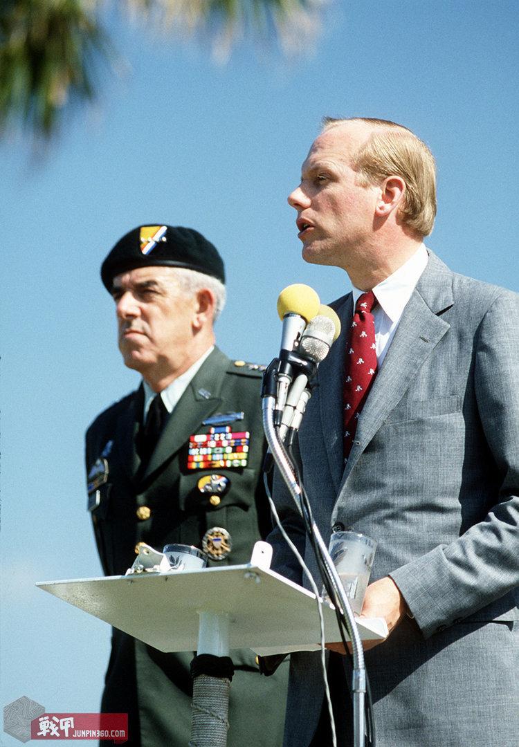 美国特种作战司令部陆军成员贝雷帽徽垫和伞降章衬垫.jpg
