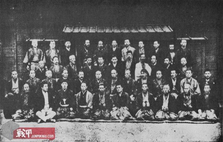 9 1888年(明治21年)的警視庁武术指导们.jpg
