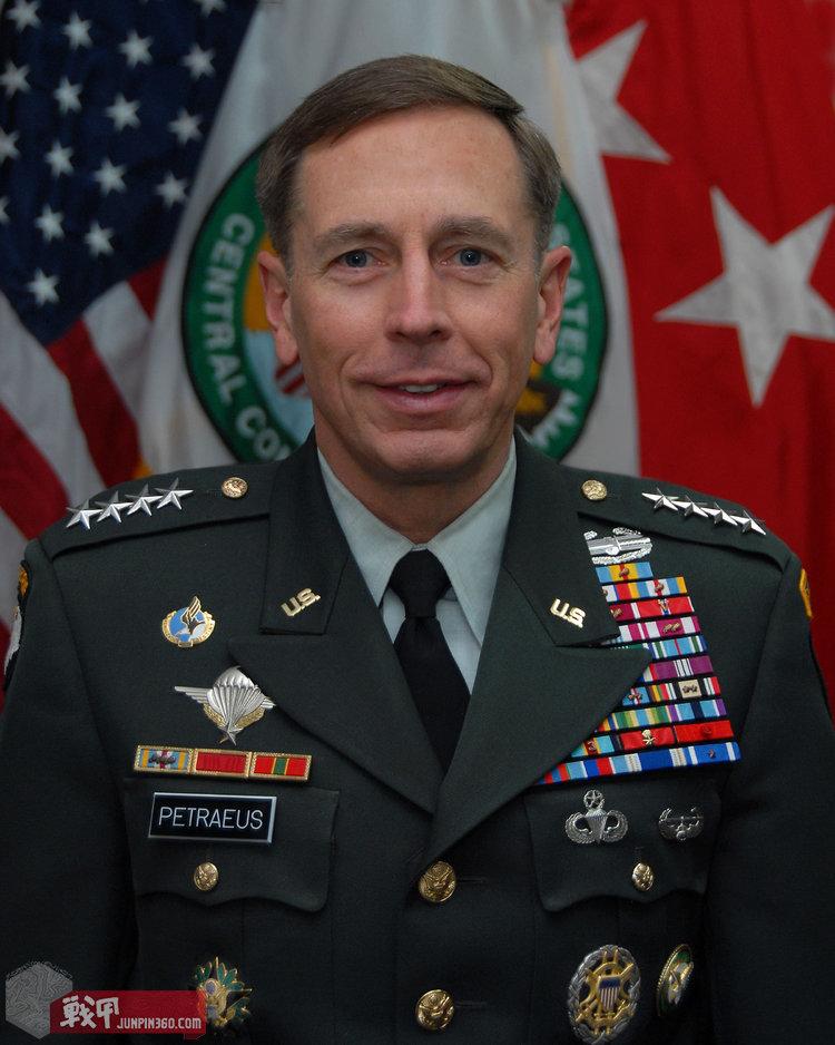 David_H__Petraeus_2008_portrait_2.jpg