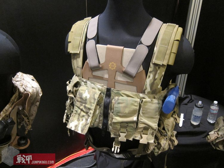 SS_Precision_Plate_Frame_Tactical_Armor_Plate_Carrier_Body_Armor_with_Velocity_Systems_API_BZ_Ballistic_Rifle_Plate_Armor_Plate_SHOT_Show_2012_DefenseReview.com_DR_1.jpg