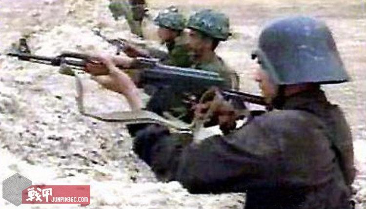 萨达姆敢死队员与共和国卫队并肩作战。.jpg