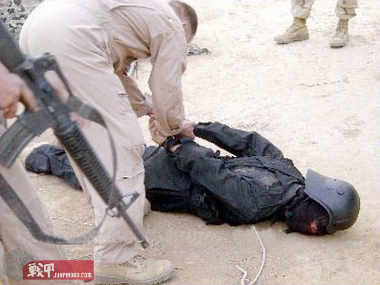 萨达姆敢死队员战技一般,大多被美军或剿灭或俘虏。.jpg