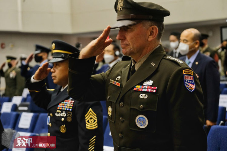 Robert-Abrams-Army-Green-Service-Uniform-1200.jpg