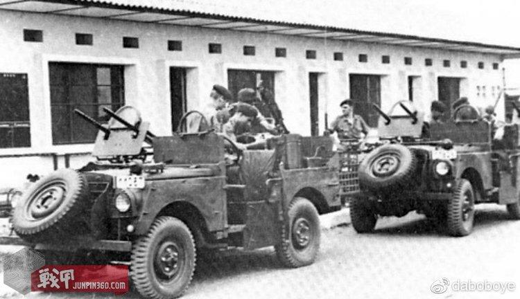 比利时红色贝雷帽在行动中使用的武装吉普