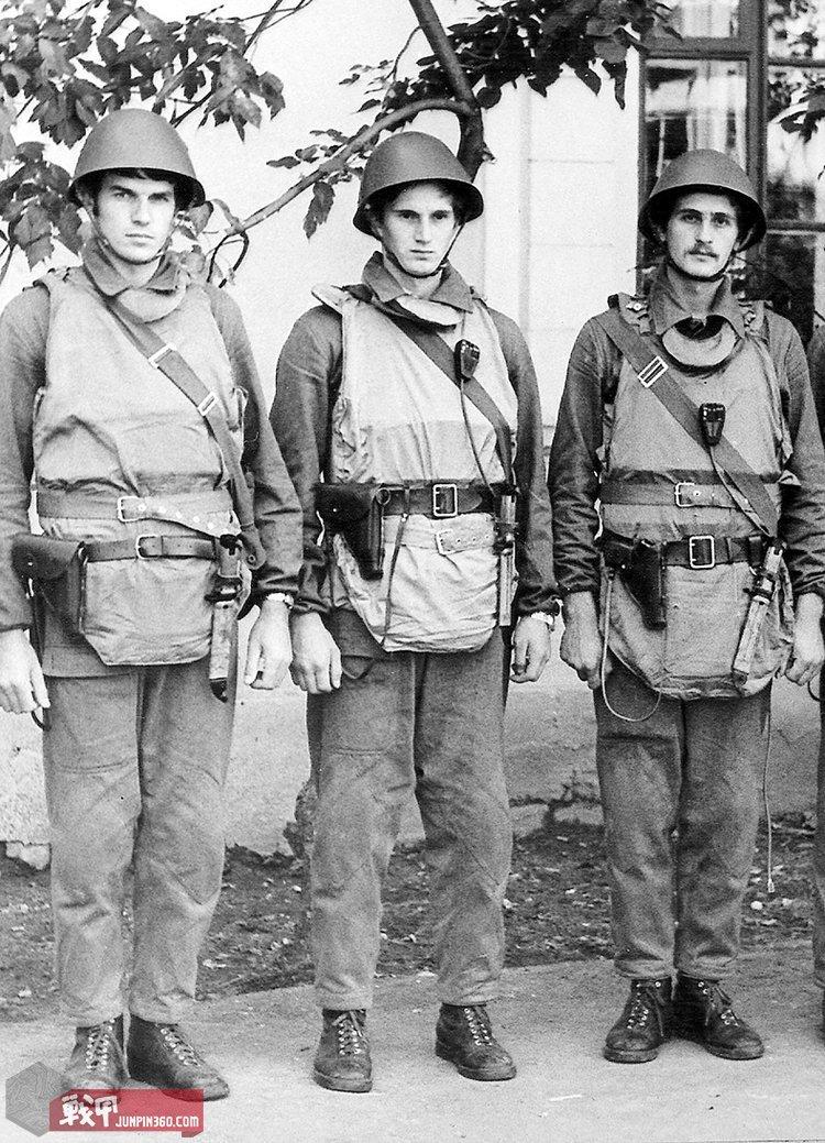 穿着71甲苏联特警